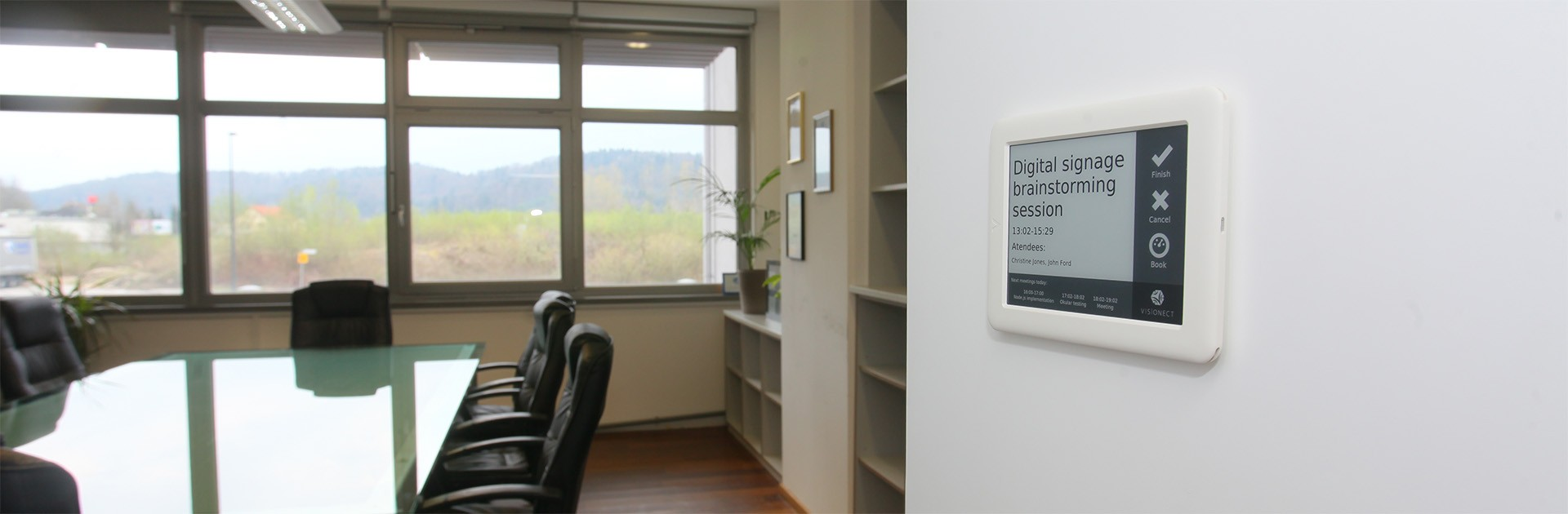 Digital Signage: How we built an e-paper room booking system